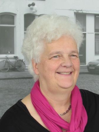 Siska Caneel, schrijfster van het boek Vrouwenbondsvrouwen, 1948-2013